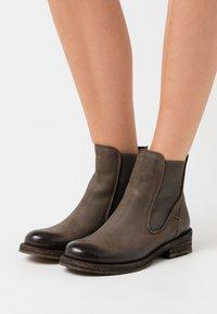Felmini - COOPER - Classic ankle boots - morat militar - 0
