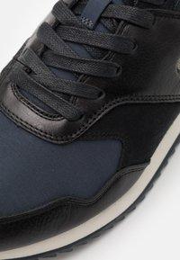 Lacoste - AESTHET LUXE - Sneakers basse - black/dark grey - 5