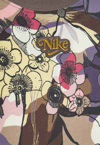 Nike Sportswear - FEMME  - Print T-shirt - ironstone - 2