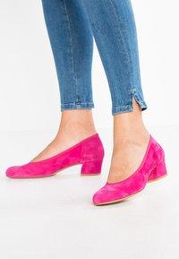 PERLATO - Classic heels - fuxia - 0