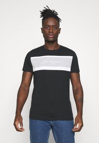 Jack & Jones - JORADAM TEE CREW NECK 3 PACK - T-shirt z nadrukiem - tap shoe - 4