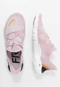 Nike Performance - FREE RN 5.0 - Minimalist running shoes - plum chalk/metallic gold/platinum violet - 1