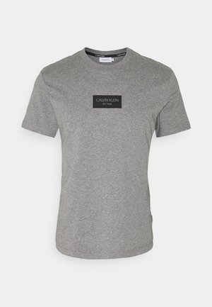 CHEST BOX LOGO - Print T-shirt - grey