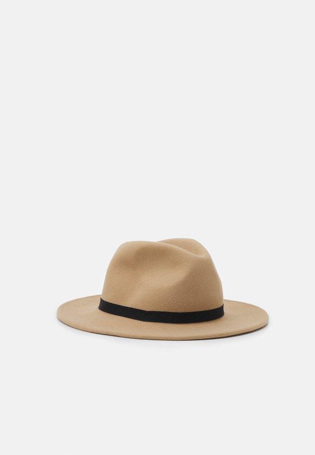 FEDORA HAT EXCLUSIVE - Hat - beige