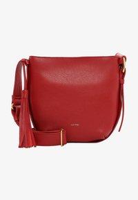 SURI FREY - Across body bag - red - 0