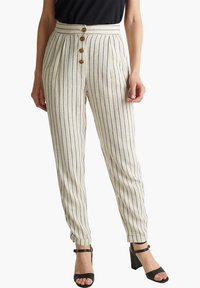 Esprit - PLEATED PANTS - Trousers - sand - 4