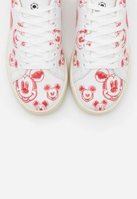 MOA - Master of Arts - GALLERY - Sneakers laag - white/red - 6
