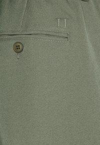 Les Deux - PINO WAIST PANTS - Bukse - olive - 2