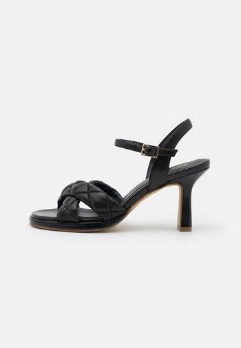 Sandály - savana nero