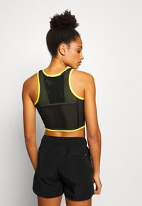The North Face - WOMENS ACTIVE TRAIL TANKLETTE - Sports shirt - lemon/black - 2