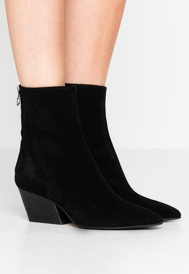 DAHLIA - Cowboy/biker ankle boot - black