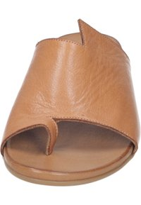 Piazza - T-bar sandals - coconut - 4