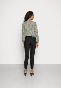 ONLY - ONLVERONICA PISA  CIGARET - Trousers - black - 2
