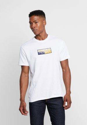 SPLIT BOX TEE - T-shirt con stampa - classic white