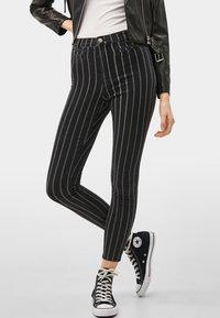 Bershka - Jeans Skinny Fit - dark grey - 0