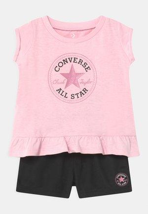 CHUCK PATCH SET - T-shirt imprimé - pink foam