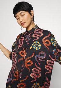 Farm Rio - SNAKES - Shirt dress - multi - 3