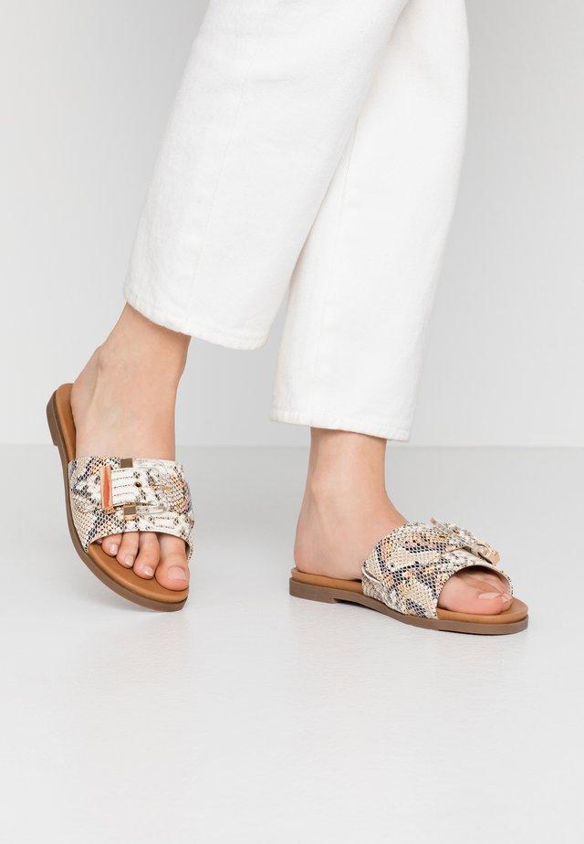 JOSIE - Pantofle - natural