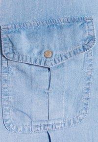 Vero Moda - VMVIVIANAMIA REGULAR DRESS - Denim dress - light blue - 7