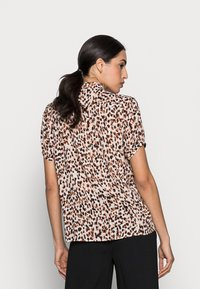InWear - FIA SHIRT - Blouse - natural forrest - 2