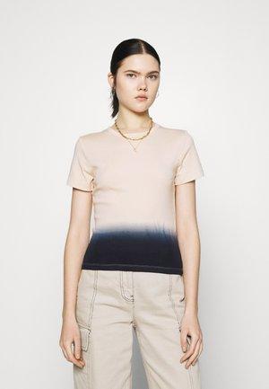 GRAPHIC RICKIE TEE - T-shirt imprimé - white