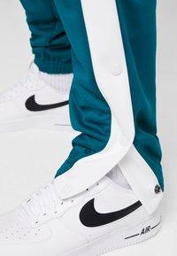 Nike Sportswear - TEARAWAY  - Pantalones deportivos - geode teal/sail - 3