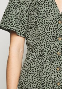 Whistles - ANITA SPOTTED FRILL SLEEVE DRESS - Shirt dress - green/multi - 5