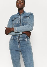 ONLY Tall - ONLINC CALLI ZIP  - Jumpsuit - light blue denim - 3
