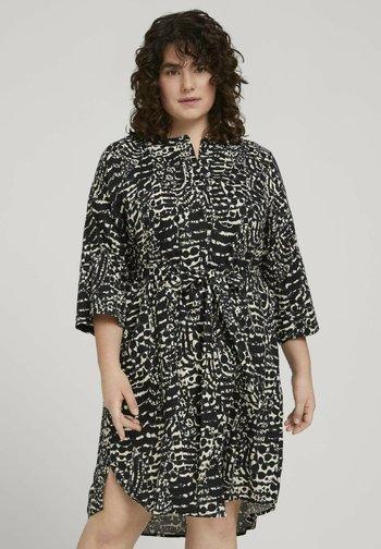 STYLE WITH - Shirt dress - resort design