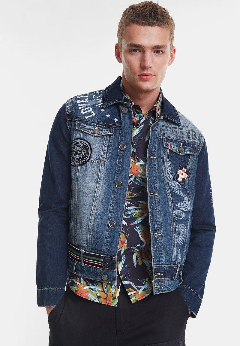 Desigual - CHAQ  ADAM - Kurtka jeansowa - blue