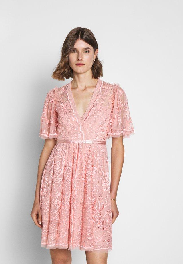 TRUDY BELLE MINI DRESS - Cocktail dress / Party dress - desert pink