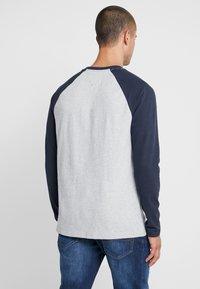 Tommy Jeans - RAGLAN TEE - Long sleeved top - dark blue - 2