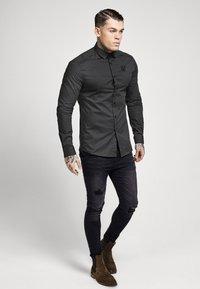 SIKSILK - STRETCH - Overhemd - dark grey - 4