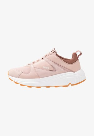 HORIZON RUNN - Trainers - peach whip