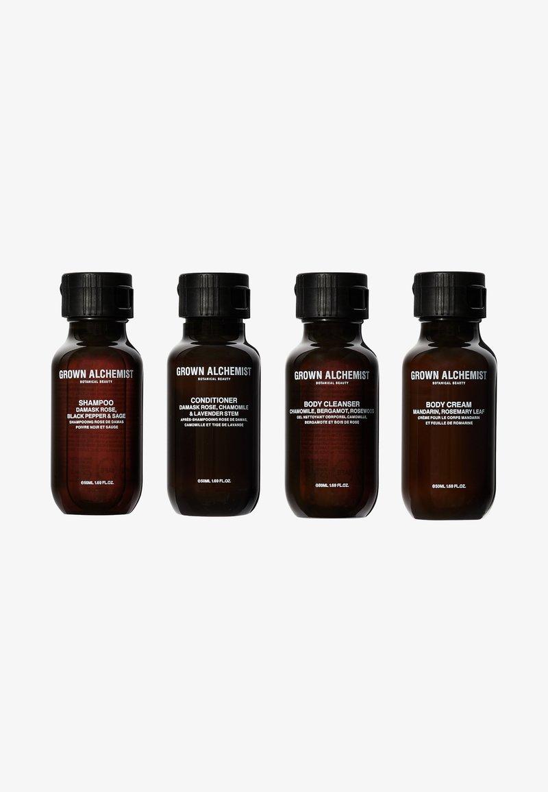 Grown Alchemist - TRAVEL KIT ESSENTIALS - Set pour le bain et le corps - -