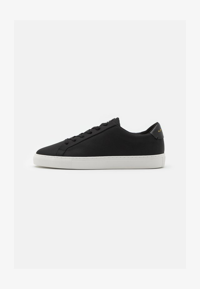 DONNY RECYLCED - Baskets basses - black