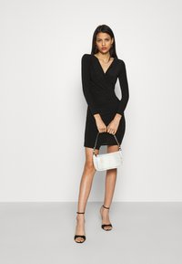 Missguided - SLINKY WRAP OVER MINI DRESS - Pouzdrové šaty - black - 1