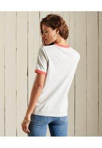 Superdry - VINTAGE LOGO  - Basic T-shirt - off white marl - 2