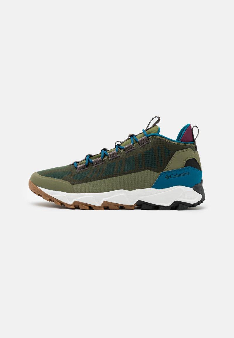 Columbia - FLOWBOROUGH LOW - Hiking shoes - hiker green/lagoon