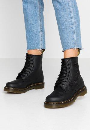 1460 VONDA MONO - Snørestøvletter - black
