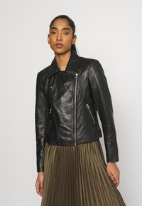 Pieces - PCSUSSE JACKET - Veste en cuir - black
