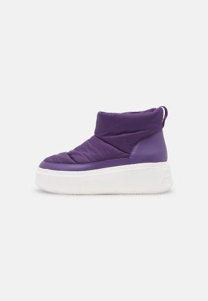 MAXI - Winter boots - purple