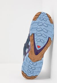 Salomon - XA PRO 3D V8 - Løbesko trail - poseidon/violet indigo/forever blue - 4