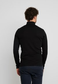 Marc O'Polo - LONGSLEEVE TURTLENECK - Camiseta de manga larga - black - 2
