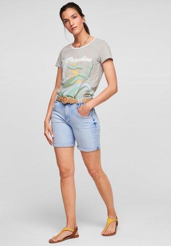 Print T-shirt - summer khaki placed print