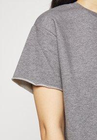 DRYKORN - LUNIE - Basic T-shirt - grau - 5