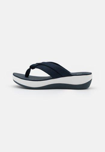 ARLA KAYLIE - Sandalias de dedo - navy