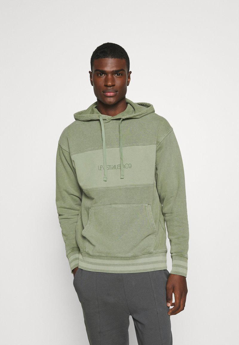 Levi's® - RELAXED FIT NOVELTY HOOD UNISEX - Felpa con cappuccio - light green
