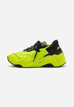 CONTRAST LOGO - Trainers - lime
