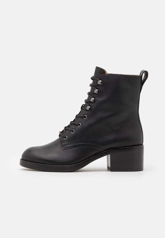 PATTI LACE UP BOOT - Veterboots - true black